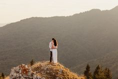 Engagement Photo Session   Destination Wedding Photographer   Frames and Tales