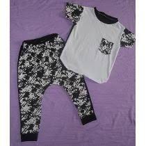 Resultado de imagen para patrón de joggers para niño Onesies, Crop Tops, Clothes, Ideas, Women, Fashion, Pants Pattern, Rompers, Patterns