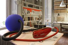 lorenzo damiani shows in achille castiglioni's studio