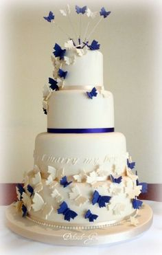 Elegant Wedding Cakes A Guide to Elegant Wedding Cakes Elegant Wedding Cakes. Themed Wedding Cakes, White Wedding Cakes, Wedding Cake Decorations, Elegant Wedding Cakes, Beautiful Wedding Cakes, Beautiful Cakes, Blue Wedding, Wedding Bride, Wedding Stuff