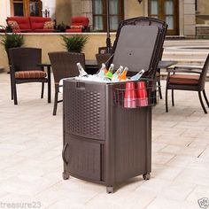 Outdoor standing cooler