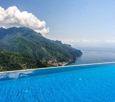 The stunning infinity edge at Hotel Caruso Ravello Places Around The World, Oh The Places You'll Go, Great Places, Places To Travel, Places To Visit, Around The Worlds, Positano, Best Hotels, Luxury Hotels