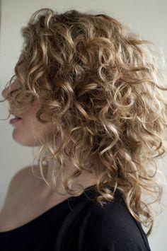 Coupes cheveux bouclés