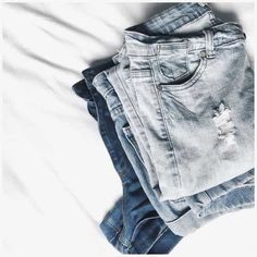 ♚ Bella Montreal ♚ Insta: bella.montreal || Pinterest & WeHeartIt: bella4549 || fashion, blue jeans, flat lay, photography, vintage, style