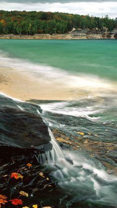 Chapel Beach Lake Superior #iPhone #5s #Wallpaper