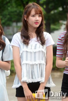S Girls, Kpop Girls, Girl Korea, G Friend, Kpop Girl Groups, Asian Beauty, Asian Girl, Pin Up, Mini Skirts