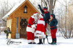 Christmas wedding at the little log wedding chapel in Niagara Falls