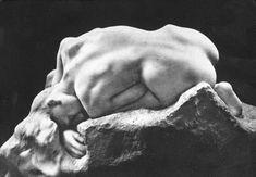 Camille Claudel J'adore cette oeuvre... Elle est brutale, exprimant une sensualité et une souffrance ...