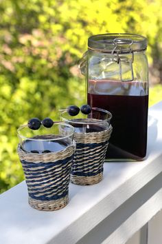 I have a serious obsession with concord grapes and concord grape jam. Nothing compares to that naturally jelly mouthfeel and ultrasweet flavor, so I'm always Soy Milk Nutrition, Grape Nutrition, Quest Nutrition, Grape Jam, Grape Juice, Slow Cooker Recipes, Crockpot Recipes, Cooking Recipes, Pasteles Halloween