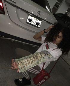 píntєrєѕt // Boat And Boujee🤪 – Make Money Pins Mo Money, How To Get Money, Cash Money, Mode Old School, Aide Financiere, Flipagram Instagram, Fille Gangsta, Thug Girl, Money On My Mind