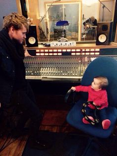 Steve (Kodaline) & Olivia having a chat in the studio. Baby Grand Pianos, Recording Studio, Piano Music, Daddy, Room, Bedroom, Rooms, Fathers, Rum
