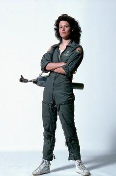 Ellen Ripley alias Sigourney Weaver (Alien, 1979