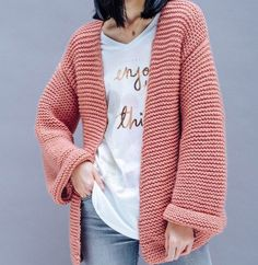 Crochet stitches 451274825155441469 - veste-tube-rose-point-mousse-phildar Source by claudiacassanod Winter Knitting Patterns, Point Mousse, Neue Outfits, Crochet Cardigan, Crochet Vests, Wool Cardigan, Garter Stitch, Winter Sweaters, Diy Crochet
