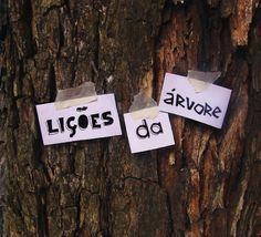 Lições da árvore  Neste Caderno você vai encontrar a descrição do programa Lições da Árvore, tal como desenvolvido pela Universidade Aberta do Meio Ambiente e da Cultura de Paz, de São Paulo (UMAPAZ); textos de apoio e, ao final, um diário, que poderá ser utilizado durante o seu próprio percurso de ensino-aprendizagem. O objetivo do programa Lições da Árvore é promover o encontro entre seres  humanos e árvores, de modo que possamos aprender sobre a sua existência, suas  contribuições e ...