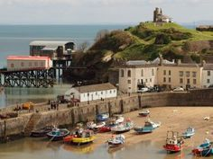 Pembrokeshire Coast - 8 Best Places to Visit in Wales- Travel Mind Map Heritage Railway, Pembrokeshire Coast, Italian Village, Brecon Beacons, Holiday Places, Snowdonia, World Heritage Sites, Cool Places To Visit, The Great Outdoors