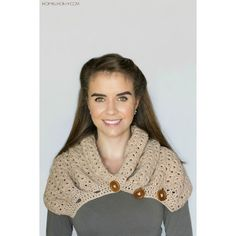 Add some earthy colours and textures to your wardrobe this Autumn with a chunky button scarf!This scarf was designed with blustery afternoons in mind, making it the perfect accessory for when you need some extra layers to keep you warm on those chillier days, especially since this scarf can be worn 3 different ways!