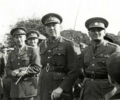 General Ingr with British officers during their visit in Czechoslovak ground troops