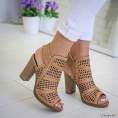 outlet store 9a912 8a49f 524 mejores imágenes de album  Trousers women, Fashion shoes
