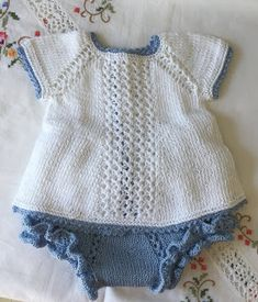Blog Abuela Encarna: 2020 Baby Boy Knitting Patterns, Baby Sweater Knitting Pattern, Knitting For Kids, Baby Patterns, Crochet Baby, Knit Crochet, Tricot Baby, Knitted Dolls, Baby Sweaters