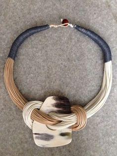 70 ideas for crochet jewelry necklace cords Jewelry Crafts, Jewelry Art, Beaded Jewelry, Jewelry Necklaces, Handmade Jewelry, Jewellery, Textile Jewelry, Fabric Jewelry, Ceramic Jewelry