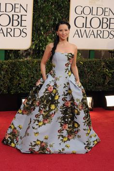 Lucy Liu in Carolina Herrera - Pictures from 2013 Golden Globes Red Carpet - Harper's BAZAAR