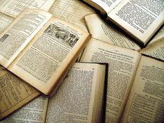 I ❤ the smell of old books. @Allison Dohogne