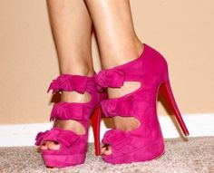 Every girls closet should have these 15 items! I couldn't live without #4