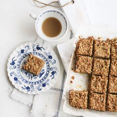 Your #Sunday just got more delicious with these Date Squares! (just 5 ingredients!) #Recipe : http://ift.tt/1Txd1v3  Have a beautiful day everyone! by pure_ella