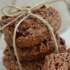 Tahini with cocoa cookies (only 4 ingredients) Sweets Recipes, Cookie Recipes, Snack Recipes, Snacks, Desserts, Honey Cookies, Cocoa Cookies, Sweets Cake, Healthy Sweets