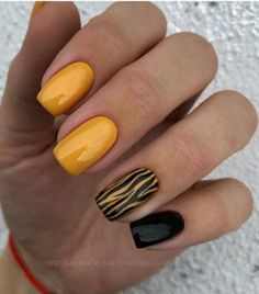 Charming Spring Nail Art Designs Ideas To Try In 2019 - - Charming Spring Nail Art Designs Ideas To Try In 2019 – Best Picture For spring nails For Y - Yellow Nails Design, Yellow Nail Art, Green Nails, Black Nails, Blue Nail, Acrylic Nail Designs, Nail Art Designs, Acrylic Nails, Spring Nail Art
