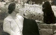 Queen Marie of Romania Queen Mary, Royal Weddings, Romania, Old Photos, Marie, Descendants, Edinburgh, Queens, Royalty