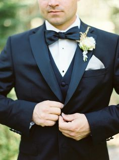 Everyone loves a man in a tux! http://www.stylemepretty.com/2016/08/09/lake-tahoe-mountain-meadow-wedding/ Photography: Maria Lamb - http://marialamb.co/