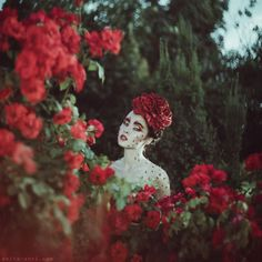 nhiếp ảnh gia người Ukraine này mang đến những câu chuyện cuộc sống với chân dung huyền diệu của phụ nữ với động vật 07
