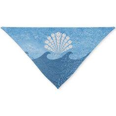 #BlueOceanWaves #DiamondSeashell #TriangleDogBandana by #MoonDreamsDesigns #BeachStyle #PetFashion