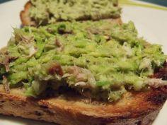 Kulinarna pasja: Pasta z awokado i wędzonej makreli w dwóch wersjach