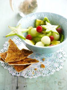 Fruitsalade met kaneelchips http://njam.tv/recepten/fruitsalade-met-kaneelchips