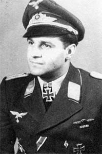 Hptm Franz Schall - JG.52 et JG.7. credited with 133 victories in 530 missions. He recorded 116 victories over the Eastern front, including 61 Stormoviks. Of his 17 victories recorded over the Western front, all were gained  flying the Me 262 jet fighter and include six  four-engine bombers and 10 P-51 fighters.