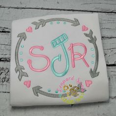 Embroidery Monogram, Embroidery Ideas, Embroidery Applique, Machine Embroidery, Baby Girl Shirts, Shirts For Girls, Monogrammed Ideas, Arrow Shirts, Southern Ladies