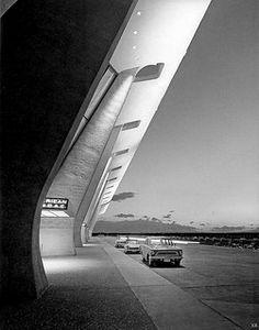 1962 ... main terminal Dulles Airport: Washington DC