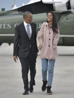 Barack Obama Cute Moments Sasha Malia | Malia and Sasha Obama's Cutest Moments With Dad Barack | POPSUGAR Celebrity Photo 10