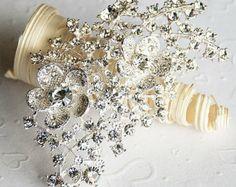Rhinestone Brooch Embellishment Pearl Crystal Flower Hair Comb Tiara Shoe Clip Wedding Bouquet Brooch Cake Decoration BR058