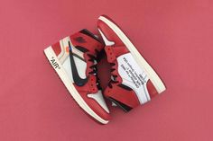A Better Look at the OFF-WHITE c/o Virgil Abloh x Air Jordan 1