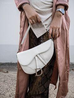 Das Outfit, das es wert ist Neue Trends, Rebecca Minkoff, Outfit, Bags, Fashion, La Mode, Outfits, Handbags, Moda