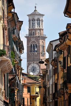 Via Mazzini towards the Torre dei Lamberti, Verona