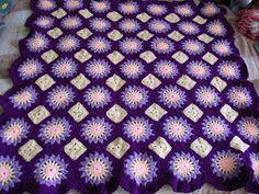 Purple Suns Blanket. http://lindacraftycorner.blogspot.com.au/2011/04/purple-suns-blanket.html?m=1.
