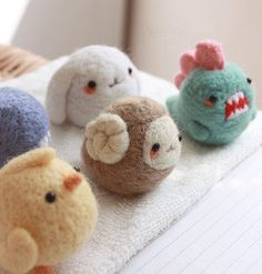 Kawaii Mini Felt Animal Phone Charm Dust Plug Bunny/ Dinosaur/ Chick/ Whale/ Sheep Wool Mobile Accessory Needle Felted Zoo Toy Birthday Gift