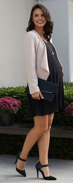 The chic expecting mother needs an affordable, stylish work wear wardrobe and PinkBlush is just the stop. Find it all from maternity dresses and maternity blazers to maternity dress pants and maternity blouses #pregnancypants,