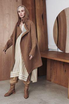 Zero + Maria Cornejo Fall 2021 Ready-to-Wear Collection - Vogue New York Fashion, Runway Fashion, Fashion News, Womens Fashion, Fashion Styles, Zero Maria Cornejo, Capsule Outfits, Fashion Show Collection, Lounge Wear