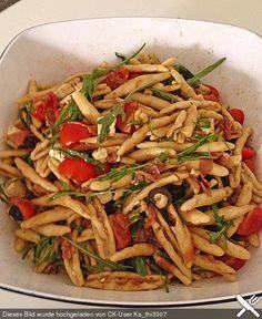 Nudelsalat mediterran, ein schönes Rezept aus der Kategorie Party. Bewertungen: 1. Durchschnitt: Ø 3,3.