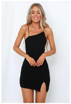Black Dress Outfit Party, Little Black Dress Outfit, Dress Black, Short Black Dresses, Little Black Dress Classy, Black Dress For Funeral, Dress Party, Little Black Dresses, Night Party Outfit